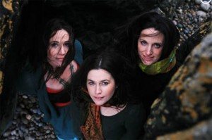 The Henry Girls Trad Singers