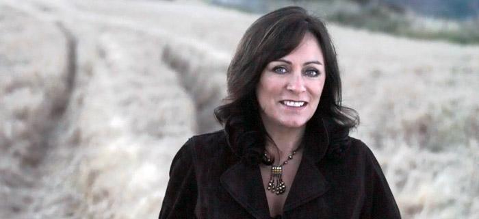 Mary Black Irish Singer for hire